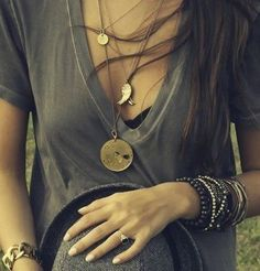 Loved the layered necklaces and bracelets with a simple t shirt