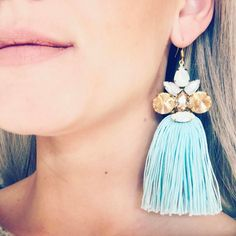 "Páči sa mi to: 17, komentáre: 1 – ArtJewelry by Kristína Jurinyi (@k.j.artjewelry) na Instagrame: ""Tak aby ste videli ako takéto ⬆️ naušky visia na ušku 🤳🏼👂🏻 #handmadejewelry…"" Earrings Handmade, Drop Earrings, Jewelry, Instagram, Fashion, Moda, Jewlery, Jewerly, Fashion Styles"