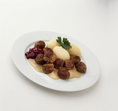 Meatballs, potatoes and lingonberry jam: very Swedish and essentially IKEA.