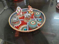Arti Thali Decoration, Acrylic Rangoli, India Crafts, Festival Decorations, Jada, Diwali, Packing, Rainbow, Plates