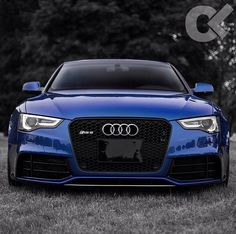 That colour...maigaddddd~ Audi S5