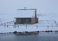 Oom Org Chalet close to Dullstroom shows us how pretty it can look during winter when the snow starts to fall.