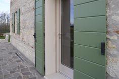 Scuri in legno: protezione da freddo, pioggia con elevate prestazioni di isolamento termico, a Vicenza e Padova.