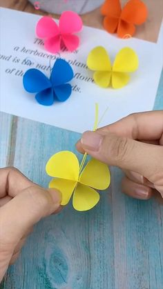Diy Crafts For Kids Easy, Easy Paper Crafts, Paper Crafts Origami, Diy Crafts Hacks, Diy Crafts For Gifts, Simple Crafts, Oragami, Paper Crafting, Fabric Crafts