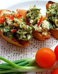 Bruschetta with zucchini and basil recipe