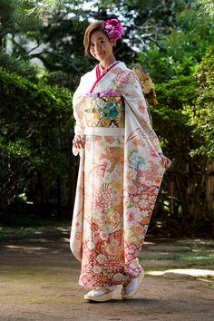 Japanese Costume, Japanese Kimono, Yukata Kimono, Kimono Top, Geisha, Coming Of Age Day, Oriental, Traditional Outfits, Traditional Japanese