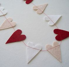 Love the simplicity of this garland.