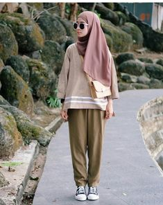 most popular ways to clothes for women hijab summer 52 - sitihome. Hijab Fashion Summer, Muslim Fashion, Modest Fashion, Casual Hijab Outfit, Ootd Hijab, Hijab Chic, Fashion Couple, Girl Fashion, Womens Fashion
