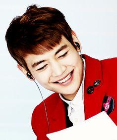 Minho.. he is sooo gorgeous!!! ^^
