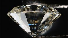 """Looking to buy a diamond online? We have 10 tips to help you click the """"Buy Now"""" button with confidence."""