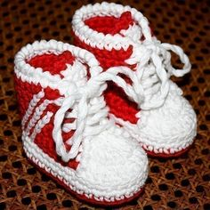 Crochet PATTERN for baby booties pdf file Baby by monpetitviolon