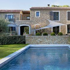 Gordes, Provence. Elisabeth Van Loock, photo Eric D'Herouville