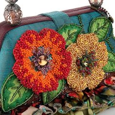 ~~Mary Frances Bali Floral Bag with Beaded Handle~~vey colour full and i like it.i can use the combination of colou in my bag as well. Embroidery Bags, Bead Embroidery Jewelry, Beaded Embroidery, Mary Frances Purses, Mary Frances Handbags, Beaded Purses, Beaded Bags, Beautiful Handbags, Beautiful Bags