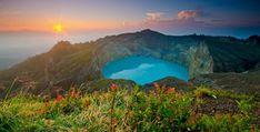 Volcano Kelimutu in Flores (Indonesia)
