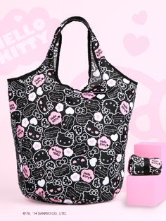 The HelloKitty bucket bag for sweet shopping experiences...