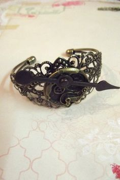 Steampunk bracelet - gears and spinner - bronze color metal