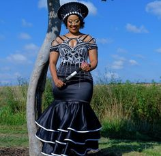 South African Traditional Dresses, Traditional Wedding Dresses, Traditional Outfits, Xhosa Attire, African Attire, African Women, African Fashion, Zulu Wedding, Green Bridesmaid Dresses