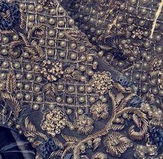 Zardosi Embroidery, Tambour Embroidery, Hand Work Embroidery, Embroidery Suits Design, Indian Embroidery, Embroidery Fashion, Hand Embroidery Designs, Beaded Embroidery, Embroidery Patterns
