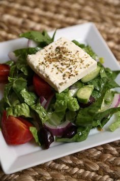 26 Fast and Easy Salad Recipes That Make Healthy Eating a Breeze Greek Salad With Feta Cheese Get the recipe: Greek salad with feta
