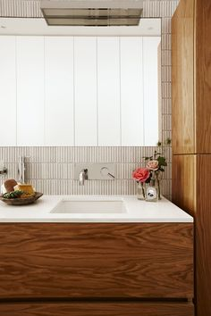 The bathroom vanity is made from American oak veneer to link with the timber flooring and kitchen island joinery. Kitchen Island Joinery, Kitchen Splashback Tiles, Kitchen Soffit, Kitchen Flooring, Kitchen Cabinets, Timber Vanity, Ensuite Bathrooms, Timber Flooring, Bathroom Interior Design