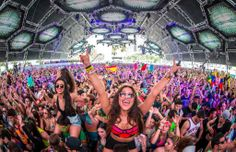 Are You fan of EDM Festivals & Concerts? If yes Here is a comprehensive list of Top 10 EDM Festivals with their 2014 Dates. It can be a useful guide for you to get Early bird tickets of shows.