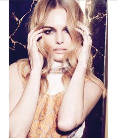 Actress Kate Bosworth lands the March 2015 cover story from ELLE Canada, wearing a rock chic look from Saint Laurent. Inside the issue, she wears looks fro Kate Bosworth Style, Retro Makeup, Hair Up Or Down, Elle Magazine, Rock Chic, Elle Fanning, Look Cool, Fashion Pictures, Feminism