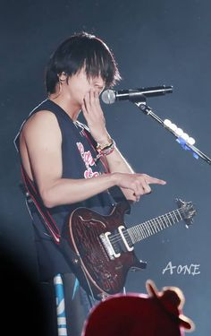Jung Yong Hwa @ CNBLUE Can't Stop Live in Taiwan 140727 Day 2