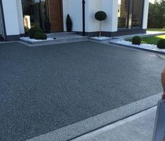 Slate Grey is a grey resin bound gravel colour for resin drives, paths & patios. Pebble Driveway, Driveway Edging, Resin Driveway, Modern Driveway, Asphalt Driveway, Driveway Landscaping, Gravel Driveway, Blacktop Driveway, Permeable Driveway