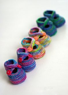 Itty Bitty booties. Free Pattern! The pattern is for knitting, but should be easy enough to figure out for crochet.