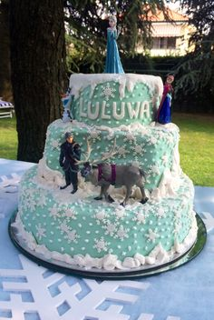 Frozen Cake... The best ever!!! By Serena