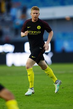 Kevin de Bruyne of Manchester City during the PreSeason Friendly between Arsenal and Manchester City at Ullevi on August 7 2016 in Gothenburg Sweden Nike Magista Obra, Manchester United Wallpaper, Afc Bournemouth, International Soccer, Messi And Ronaldo, Gothenburg Sweden, Football Boys, Soccer World, Premier League Matches