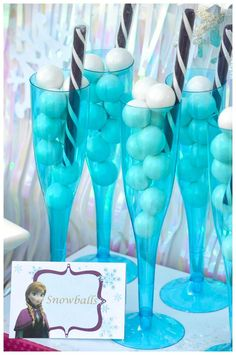 Disney's Frozen themed birthday party full of ideas! Via KarasPartyIdeas.com #frozen #frozenparty (9)