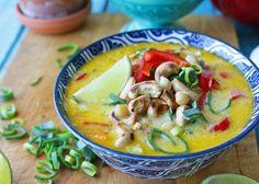 Thailändsk kikärtsgryta som du slänger ihop på ett kick. Mättande, proteinrikt, enkelt och dessutom billigt. Kikärtsgryta blir den perfekta vardagsmiddagen