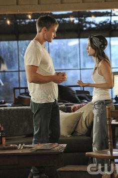 """Parades and Pariahs""-- Pictured (L-R): Wilson Bethel as Wade and Rachel Bilson as Dr. Zoe Hart in HART OF DIXIE on THE CW. Photo Credit: Michael Yarish /The CW©2011 The CW Network, LLC. All Rights Reserved."
