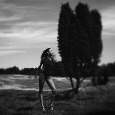 """Iris (@ansichtsweise) auf Instagram: """"adele h&m: nadine bauer #ansichtsweise #portrait #fashion #classy #bnw #editorial #instagood…"""""""