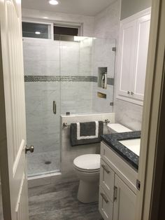 Small Bathroom Ideas: lovely small master bathroom remodel on a budget Bathroom Design Small, Bathroom Interior Design, Modern Bathroom, Small Bathroom Makeovers, Master Bedroom Bathroom, Simple Bathroom, Small Bathroom With Window, Small Master Bathroom Ideas, Basement Bathroom Ideas