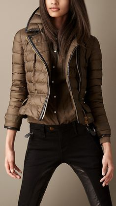 Down-Filled Leather Trim Puffer ~ Burberry Winter Outfits 2019, Fall Outfits, Casual Outfits, Mode Outfits, Fashion Outfits, Womens Fashion, Wonder Woman Outfit, Concept Clothing, Parisienne Chic