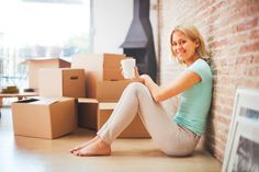 Some renters aren't clear on what renters insurance is all about. Allstate agent Valerie Muldez answers some frequently asked questions about what protections renters policies may help provide House Moving Service, Moving House, Moving Tips, Moving Hacks, Office Relocation, Renters Insurance, Men's Vans, Moving Services, Removal Services