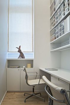 Jennifer Hanlin Cobble Hill Apartment Office, Photo by Eduard Hueber Apartment Office, Brooklyn Apartment, Home Curtains, Home Office Decor, Home Decor, Stores, Built Ins, Small Living, Storage Solutions