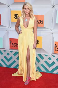 The best celebrity red carpet looks from the Academy of Country Music Awards: