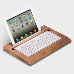 Halterung für iPad und Tastatur Nussbaumholz