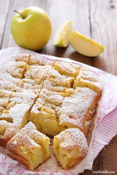 Apple pie with a very soft and humid yogurt ricettedelcuore Apple Recipes, Sweet Recipes, Cake Recipes, Nutella, Light Cakes, Pie Dessert, Just Desserts, Italian Recipes, Food And Drink