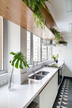 """Plantas na área interna...  Elas são uma forma muito prática e econômica de dar um """"up"""" a todos os ambientes da casa.  Garimpei com muito carinho ideias simples, que você com certeza você conseguirá executar."""