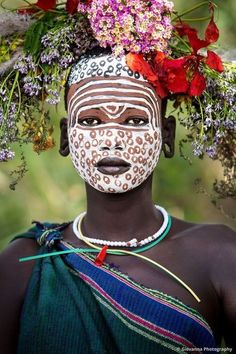 Our Cultures collection shows life in the way of the tribes depicted. Kenya, Ethiopia, Tanzania and Zanzibar are the birth places of these amazing photographs taking you back in time. By Giovanna Photography, photographed in Ethiopia. African Tribes, African Art, African Face Paint, Tribal Face, Foto Portrait, Arte Tribal, Tribal People, Too Faced, Jolie Photo