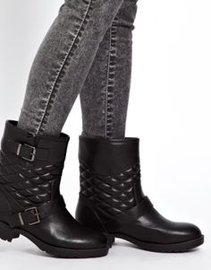 Image 3 ofNew Look Wide Fit Diamond Quilted Flat Biker Boots
