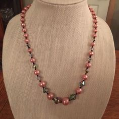 Vtg Pink Prarls Iridescent & Black Bead Necklace