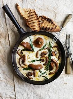 Herb and mozarella mushrooms with garlic toasts
