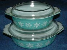 snowflake turquoise Pyrex - #vintage
