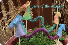 Once Upon a Table project for Chinese New Year- felt and yarn alternative to Chinese Paper Dragons!