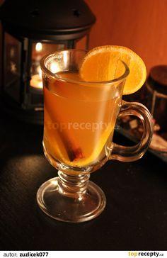 Naprostá rychlovka, která nádherně zahřeje i bez alkoholu :-) Všechny suroviny vložíme společně do redlíku a přivedeme k varu, poté ztlumíme... Lemonade Cocktail, Cocktails, Drinks, Mojito, Moscow Mule Mugs, Smoothies, Goodies, Food And Drink, Cooking